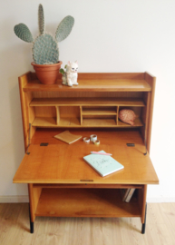 Gereserveerd. Vintage secretaire uit de jaren 60. Houten retro design kast / highboard