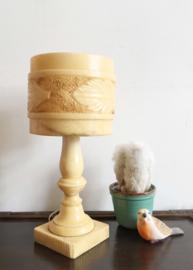 Prachtige tafellamp van albast. Vintage lamp in marmer look.