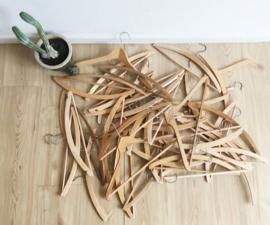 40 houten vintage kleerhanger / Kledinghanger. Retro knaapje/kapstok. Wooden clothes hanger