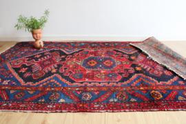 Origineel handgeknoopt Oosters vloerkleed. Vintage Bohemien tapijt.