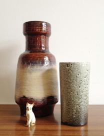 Set van 2 vintage vazen. Aardewerk retro vaasjes.