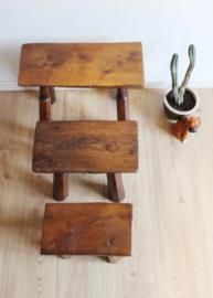 3 vintage boomstam tafeltjes. Zware houten planten tafels / krukjes
