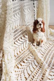 Creme kleurige gehaakte vintage sprei. Handgemaakte Boho deken