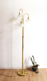 Goudkleurig vloerlamp met 3 lichtpunten. Vintage lamp in Hollywood Regency stijl,