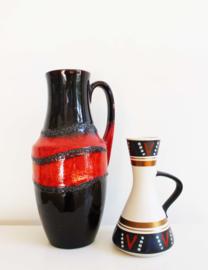 Twee aardewerk vintage vazen. Oranje/bruine retro karaf, West germany