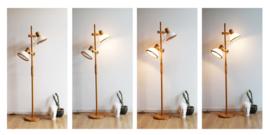 Houten vintage vloerlamp - witte kappen. Retro design lamp - Steinhauer