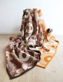 Set van 2 wollen vintage dekens. Oranje / bruine retr0 sprei met bloemen