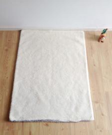 Wollen vintage deken met puppys. Warme zachte retro sprei met 5 hondjes