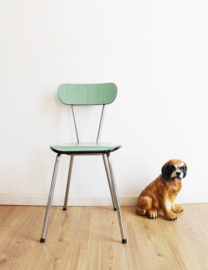 Mint groene retro formica stoel. Vintage keukenstoeltje