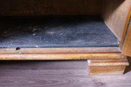 Te gekke buffetkast met glazen deurtjes. Houten vintage kast, Art Deco?