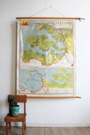 Vintage schoolplaat van Zeeland (Nederland). Oude retro landkaart