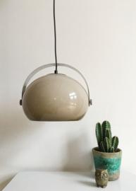 Toffe vintage lamp met kunststof kap. Retro design hanglamp, Dijkstra?