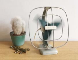 Vintage ventilator - Herald. Elektrische retro wand/bureau ventilator