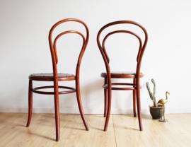 Set houten vintage bistro stoelen. Retro cafe stoeltjes,  Jacob & Josef Kohn- Thonet stijl