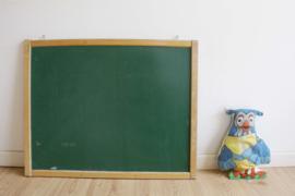 Tof vintage schoolbord voor aan de muur. Retro krijtbord, groen/rood