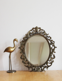 Antiek spiegeltje in barok lijst. Vintage wand spiegeltje.