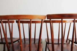 Set van 6 toffe vintage spijlenstoelen. Houten retro design stoelen