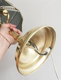 Goudkleurig Hollywood regency stijl lamp. Vintage tafellamp  met glazen kap.