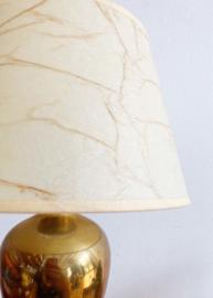 Vintage lamp op goudkleurige voet. Hollywood Regency stijl tafellamp