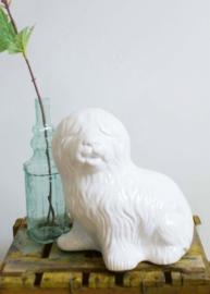 Groot wit aardewerk beeld van een hond. Vintage honden beeld