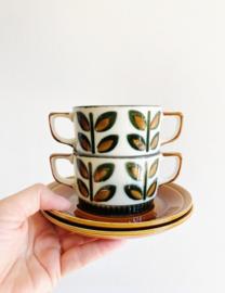 Set vintage kop en schotels van Boch - Rambouillet. 2 groen/bruine retro soepkoppen