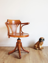 Houten vintage bureaustoel in Thonet stijl. In hoogte verstelbare draai stoel