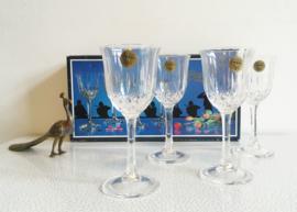 Set van 4 kristallen wijnglazen. Vintage glazen, nieuw in doos.