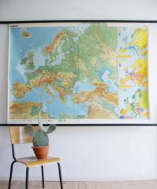 Super grote vintage schoolplaat van Europa. Retro Geografie landkaart/wereldkaart, 1978