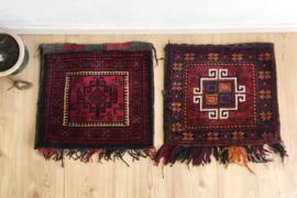 Set handgeknoopte Oosterse kussens. 2 vintage Bohemien kussenhoezen