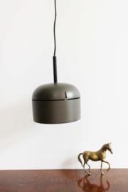Bruine vintage hanglamp. Retro design lampje