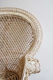 Vintage rotan Pauwenstoel voor de mini-me. Bohemien rattan Peacock Chair.