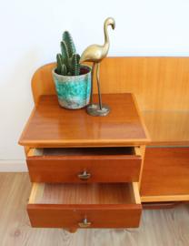 Houten Mid Century kastje / retro design dressoir. Vintage kaptafel zonder spiegel