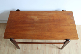 Houten vintage salontafel. Jaren 50/60 tafel/coffee table met retro design