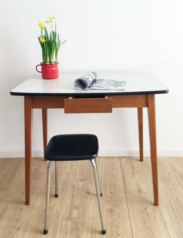 Beste Houten vintage tafel met formica blad. Retro eettafel met lade OL-64