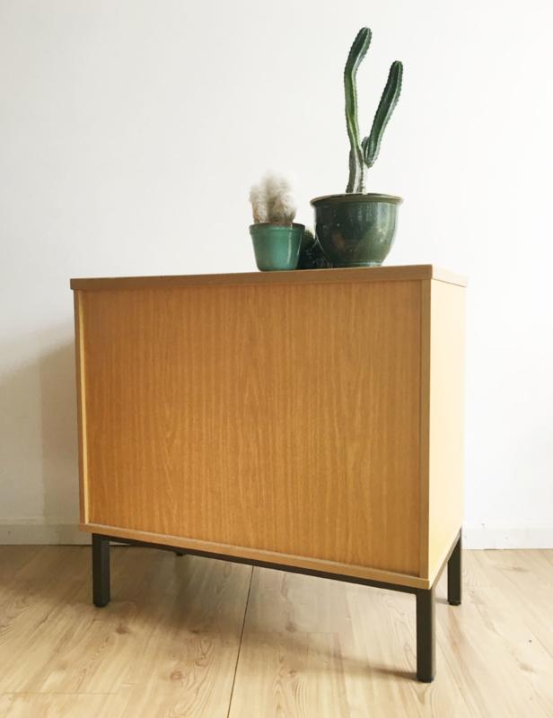 Tof Klein Vintage Dressoir Houten Kast Met Retro Design Op