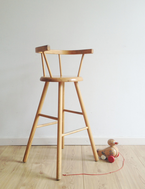 Fonkelnieuw Houten vintage kinderstoel, Kibofa? Hoge retro stoel voor kids RM-49