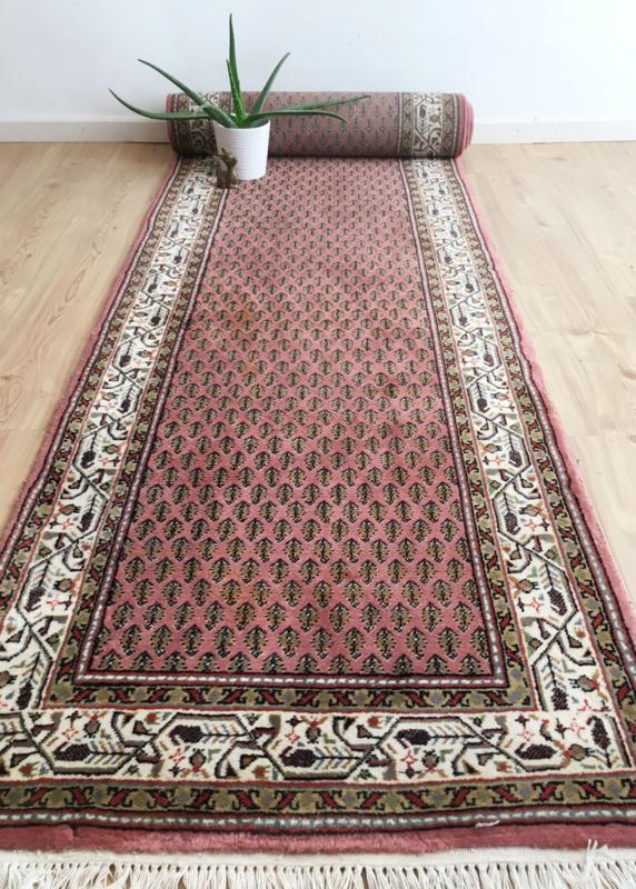 Handgeknoopte Oosterse vintage loper. Lang roze Perzisch tapijt - Mir?