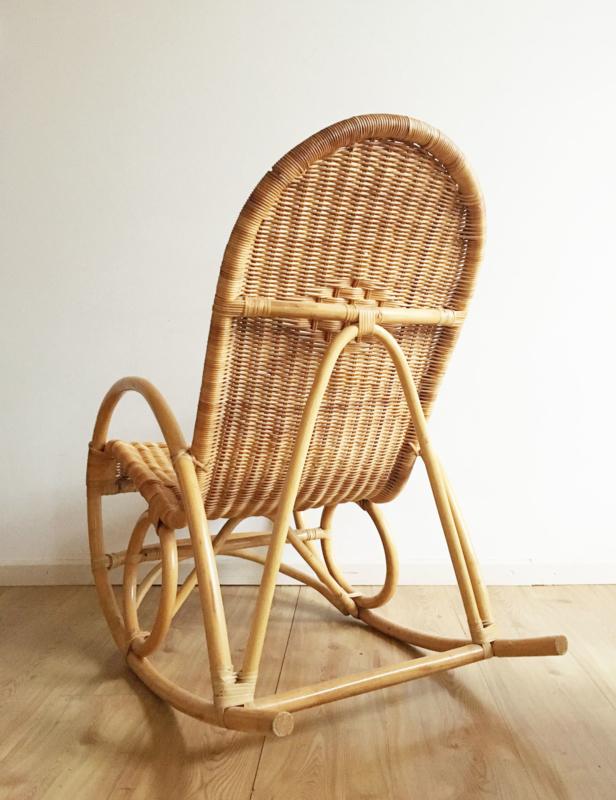 Nieuw Bohemian rotan schommelstoel. Vintage rocking chair met retro UY-47