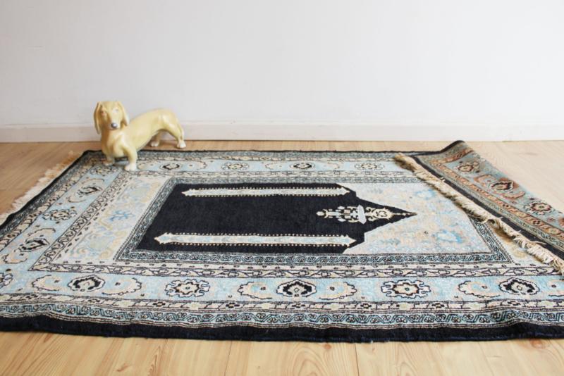 Handgemaakt vintage Perzisch tapijt. Oosters bid vloerkleed in blauw tinten