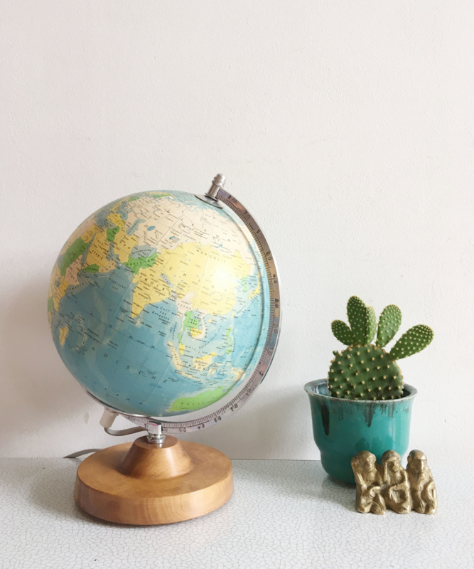 Staatkundige globe met verlichting - Räth. Vintage wereldbol, 1987