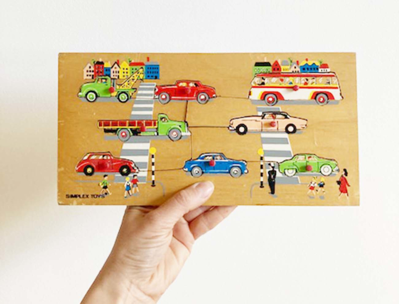 Vintage auto puzzel van Simplex. Houten retro speelgoed.