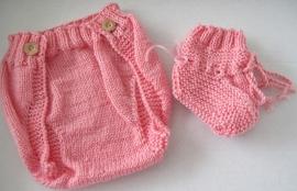 Roze Luierbroekje Large en Slofjes - maat 3 maanden