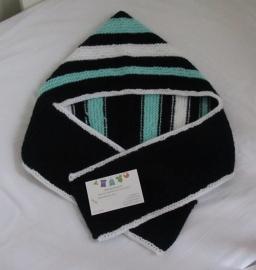 Zwart / Wit/ Mintgroen gestreept Sjaal mutsje in één!