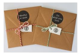 Cadeau of relatiegeschenk OP MAAT   6 inspiratiekaarten & 4 stickers