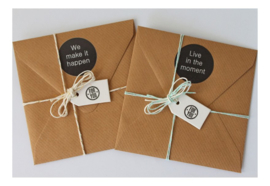 Cadeau of relatiegeschenk OP MAAT   3 inspiratiekaarten & 2 stickers