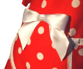 Lucy rood met grote stip