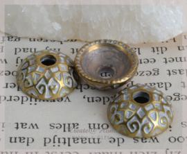 Metal look kraalkapjes goud/zilver. Per 10