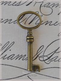 Brocante bronskleurige sleutels. Per 3