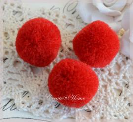 Stoffen pompon balletjes rood. Per 5