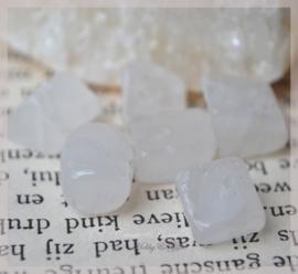 White stone chips. Per 10